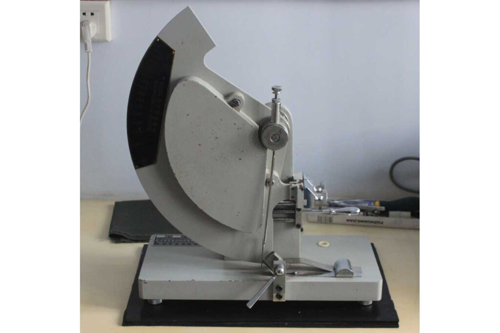 Pendulum Strength Tester