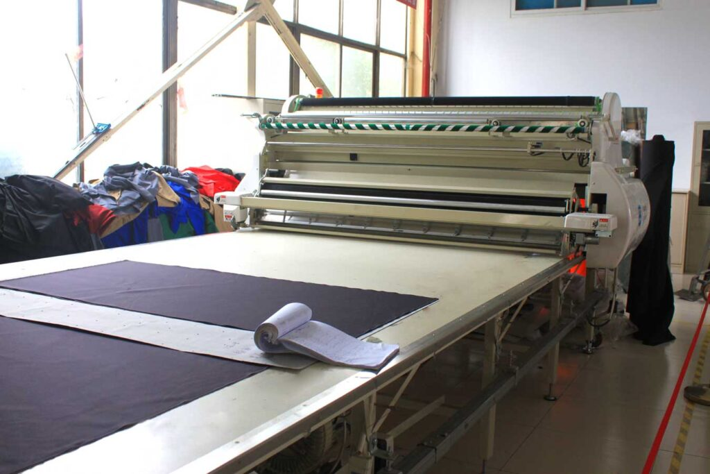 automatic cutting table
