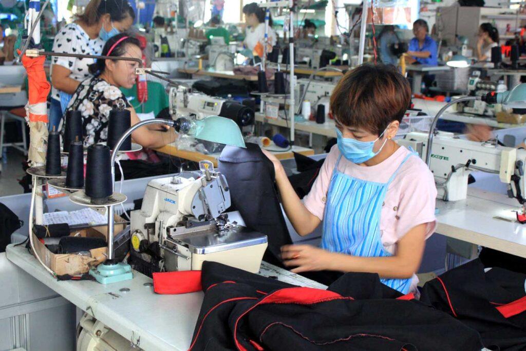 overlock sewing machine 2