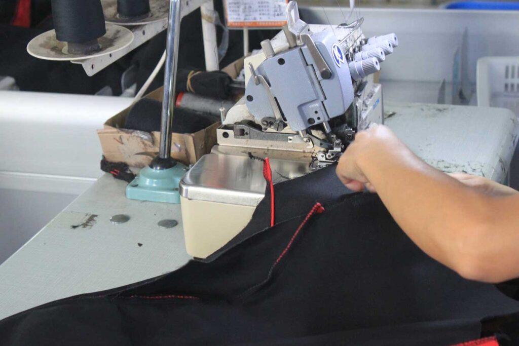 overlock sewing machine 3